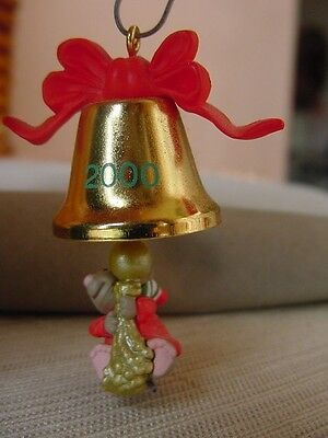 2000 HALLMARK MINIATURE MOUSE Gold bell FRIEND CHIMES IN CHRISTMAS ORNAMENT NEW