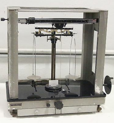 Voland & Sons 220 Scientific Supplies Balance Scale