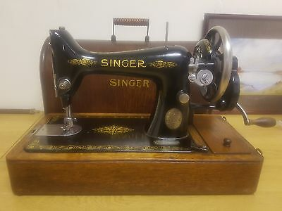 Vintage Singer Sewing Machine. Made in 1918 F8363352 Excellent Condition