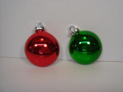 Set Of 2 Vintage Avon Gift Collection Magnets Red And Green Christmas Ornaments