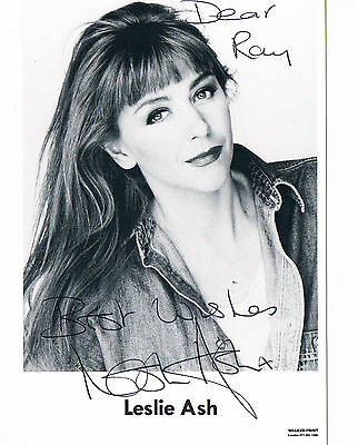 Leslie Ash - British Film and Television actress  Hand Signed Photograph  6 x 4