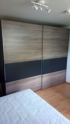schlafzimmer komplett mit berbauschrank lattenrost und. Black Bedroom Furniture Sets. Home Design Ideas