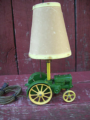 JOHN DEERE Tractor Table Light Lamp w/ Shade