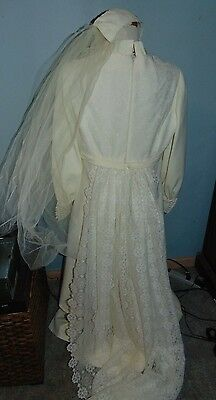Wedding Dress 8 Foot Lace Train Veil Handmade Vintage 1960s Cutter Costume