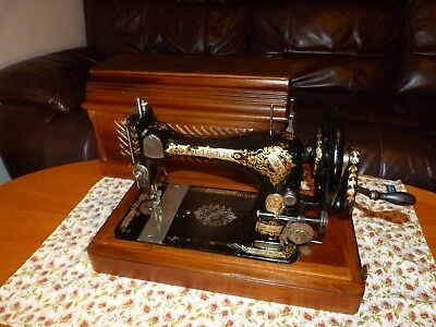 Antique Singer 27K Sewing Machine 1898 Hand Crank in Superb 'Coffin' Case