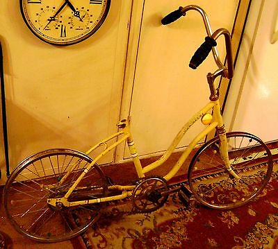 Vintage Yellow John Deere Bicycle 1970's 20 inch  Shipping Pos. Read Description