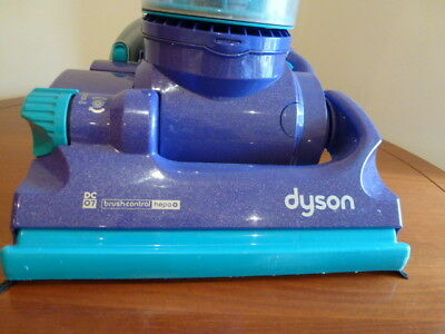 dyson radix cyclonic dc07 in excelent condition great suction