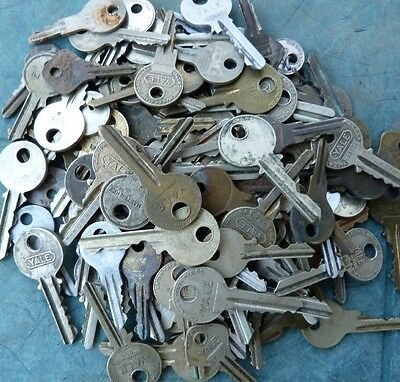 101 Assorted  Antique  Old Vintage Yale & Towne Padlock Keys    Lock Keys  Door