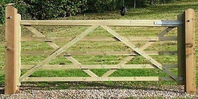 POSTS For WOODEN GATE FARM FIELD FREE DELIVERY 30 Miles of Spalding
