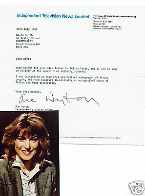 Selina Scott News reader Hand Signed Vintage Photograph and ITN Letter 5 X 3