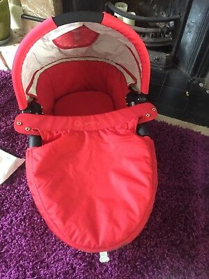 Quinny Red Carry Cot