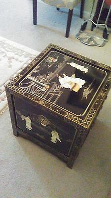 Vtg Rosewood Oriental Asian Black Lacquer Mother of Pearl EndTable