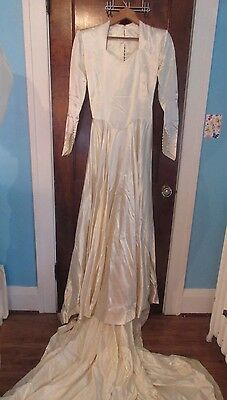 Vtg 50's Lustrous White Satin Wedding Gown HUGE Train & Tulle Veil PRINCESS