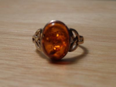 Sterling Silver & Amber Celtic Design Ring - size 8