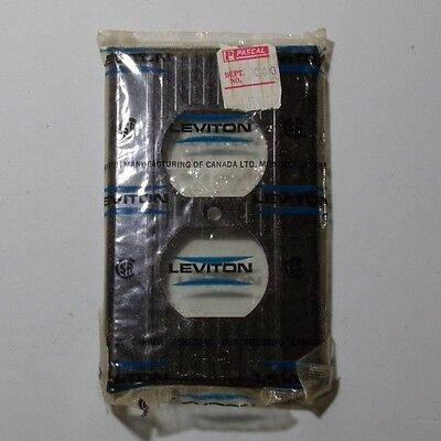 LEVITON Single outlet plate Vintage NOS mid century ribbed lines BROWN bakelite