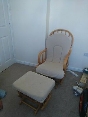 Nursing rocking chair with a stool
