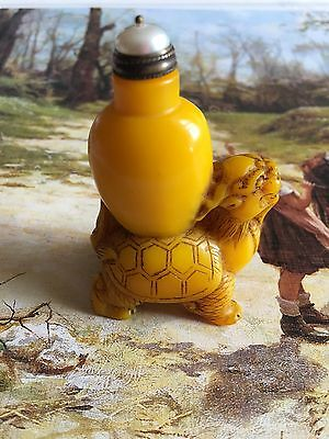 Exquisite Chinese Vintage Peking Amber Glass  Snuff Bottle Pearl Topper Qianlong