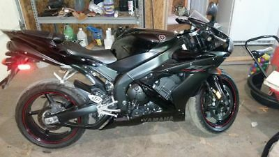 2006 Yamaha R1 Raven  OMEONE BUY THIS THING** 2006 Yamaha R1 Raven Motorcycle