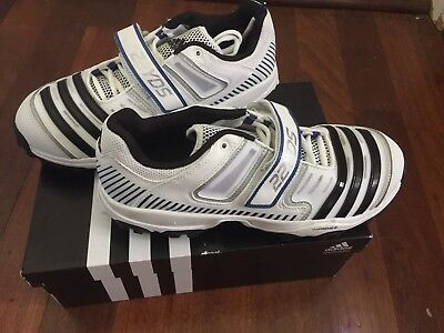 Adidas Twenty Two 22 Yards Full Spikes Cricket Shoes Size US 9.5 Brand New