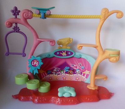 Littlest Pet Shop - Tricks And Talent Show Stage (Hasbro, 2006) LPS - Used