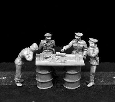 █ 1/72 Resin WWII German Staff Officer Holding Military Meeting  KS412