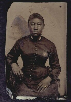 1800s TINTYPE PHOTOGRAPH - AFRICAN AMERICAN WOMEN IN DRESS - BLACK INTEREST