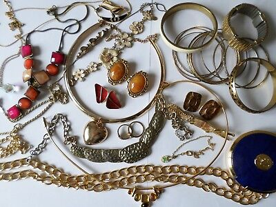 Job lot nice gold tone costume jewellery necklaces and bracelets F