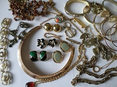 Job lot nice gold tone costume jewellery necklaces and bracelets G