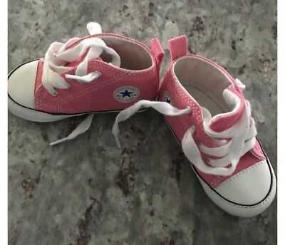 Baby/Infant Girl Converse/Chuck Taylor Soft Sole/Crib Shoes-Size 4- NEW