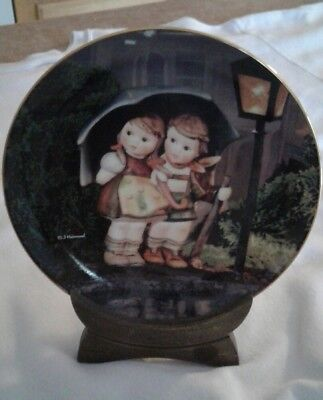 MJ Hummel STORMY WEATHER Collector Plate Little Companions Collection Wood Stand