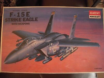 McDONNELL-DOUGLAS F-15E STRIKE EAGLE WITH WEAPONS ACADEMY 1/48 NEUF EN BOITE