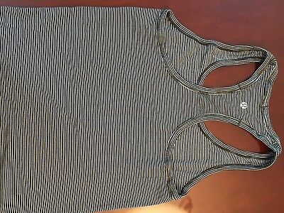 Lululemon SWIFTLY RACERBACK cool tank top Size 6 Excellent Cond Black White