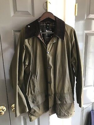 Barbour Men's Classic Beaufort Wax Jacket Olive Size 44 (Large) NWT