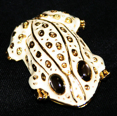 Vintage gold tone white enamel frog pin brooch Danecraft stone eyes
