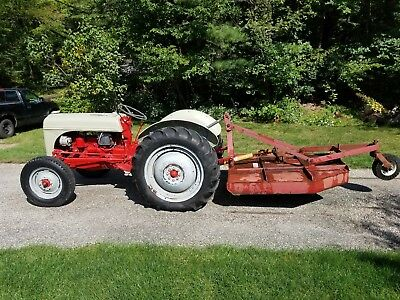 Ford 8n  tractor runs great, nice condition