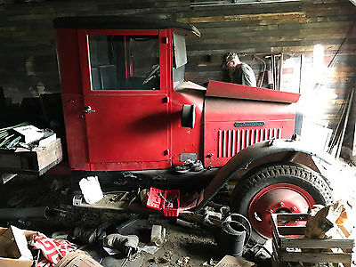 1928 International Harvester SF 46 unknown 1928 Two-Ton International flatbed truck - Model SF46