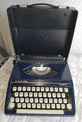 Silver Reed Silverette Dark Blue VINTAGE Manual Typewriter in Case