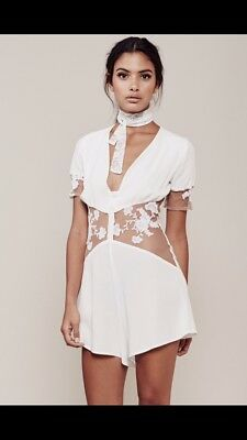 NWOT For Love And Lemons Elenora White Floral Playsuit Romper (Small)