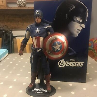 Hot Toys Captain America Avengers 1/6 - Boxed, Pre-Owned, Good Condition