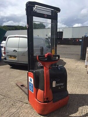 Forklift Electric Stacker 1 Ton With Nearly New Batteries!!