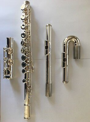 Flute Yamaha 211 in excellent condition with case & extra curved headjoint