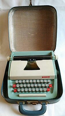 PLAYCRAFT PETITE DELUXE JUNIOR TYPEWRITER & CASE, Vintage, Retro,1960's, Blue