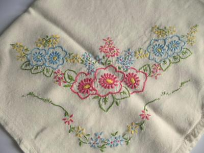 """Lovely Vintage Hand Embroidered Floral Tablecloth 30"""" x 32"""""""