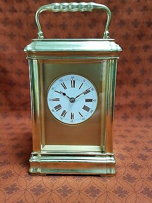 A fine quality 8 day timepiece by GS & Co gilded gorge case - Beautiful clock