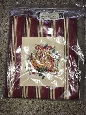 New 2005 Longaberger HOLIDAY STRIPE Embroidery CHRISTMAS Basket Pocket TOTE BAG