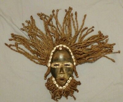 #1 Vintage African Hand Carved Wooden Tribal Mask Wall Decoration Collectable