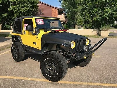 "2005 Jeep Wrangler  05 jeep wrangler 4"" lift and 35"" tires all tricked out"