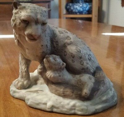 Snow Leopard Mother and Cub Porcelain Figurine The Franklin Mint 1989 Retired