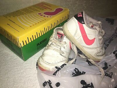 **** Vintage Buster Brown's Shoe Box Company Chart Nike Toddler baby Shoes Pink