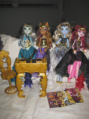 Monster High 13 Wishes Dolls- Draculaura Abbey Clawdeen Frankie-and Accessories